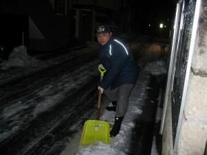 """2006/1/21 """"安心・安全の街""""消防団の消火栓雪かき!"""