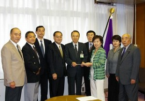 2006/9/29 豊島区公明区議団が高野区長に緊急申し入れ!